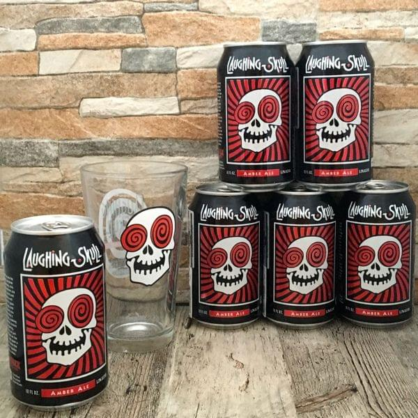 """Bier-Sixpack """"Laughing Skull Amber Ale"""" mit Pint-Glas"""