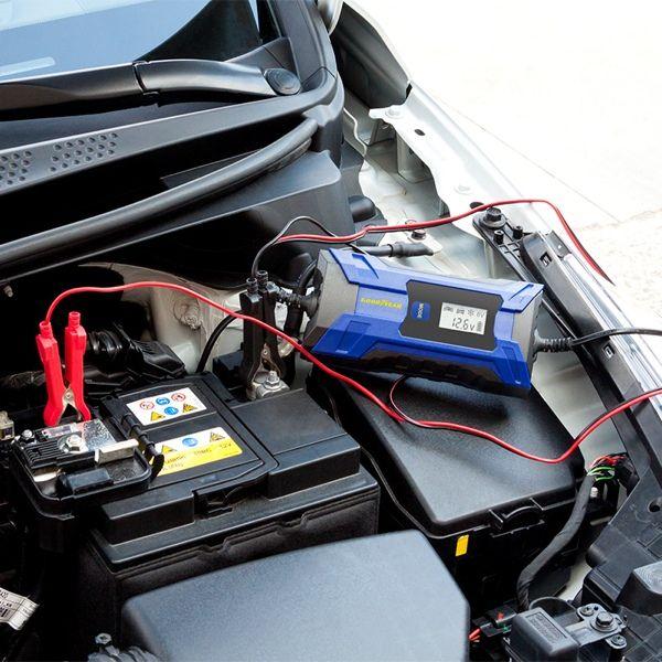 Goodyear intelligentes Batterieladegerät (4 Ampere)