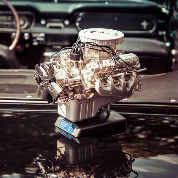 Ford Mustang V8-Motor-Bausatz