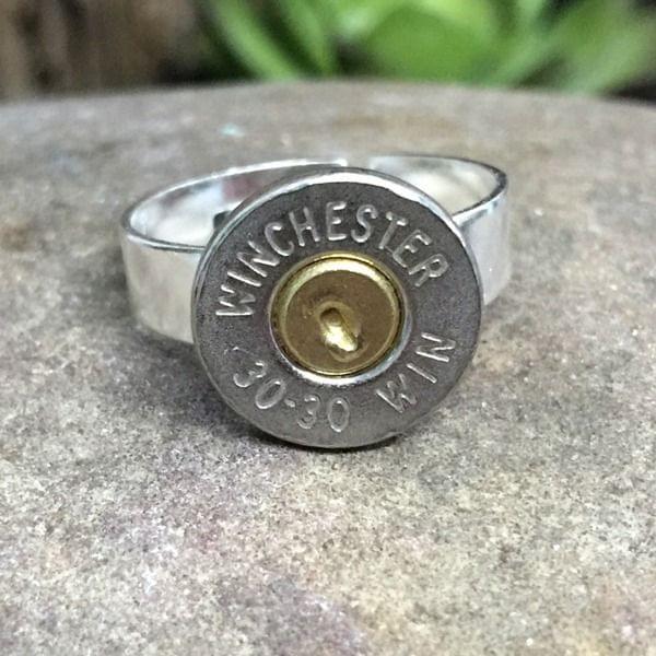 Ring mit Kaliber .30-30 Winchester Patronenboden