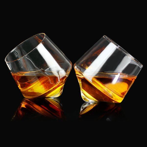 Rollende Whiskey Gläser