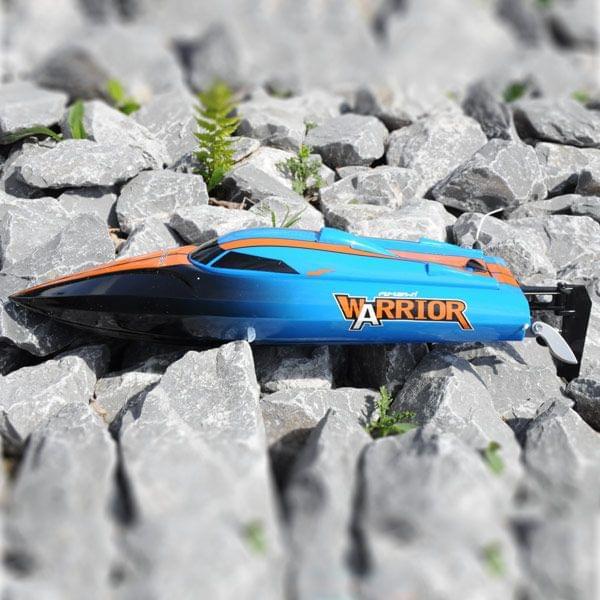 R/C V-Speedboot