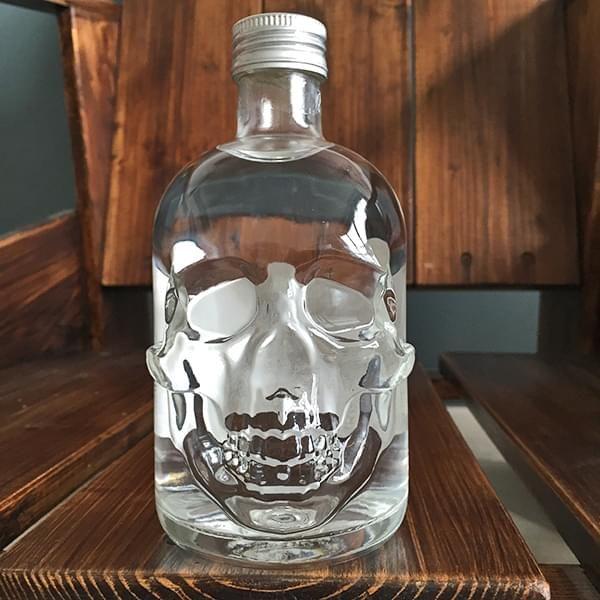 Dead Head Vodka in Totenkopfflasche