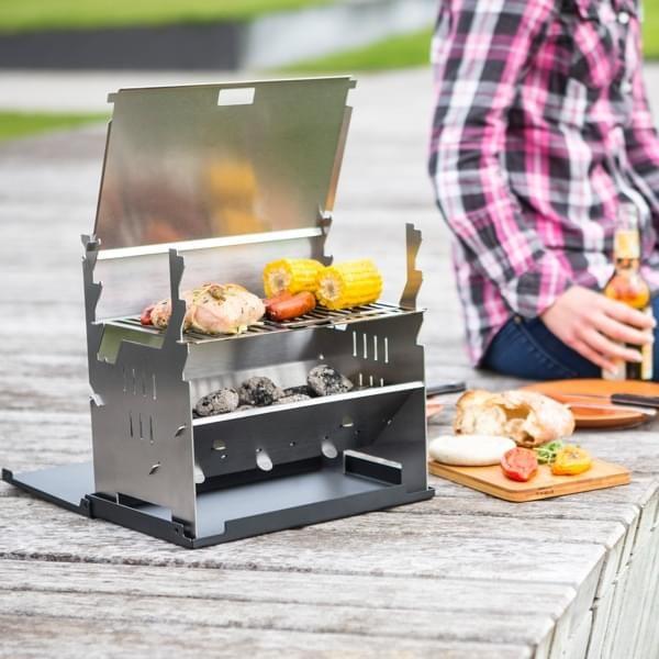Outdoor-Grill aus Edelstahl mit Alu-Koffer