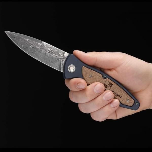 Messer mit Damast aus Tirpitz-Schlachtschiff-Stahl