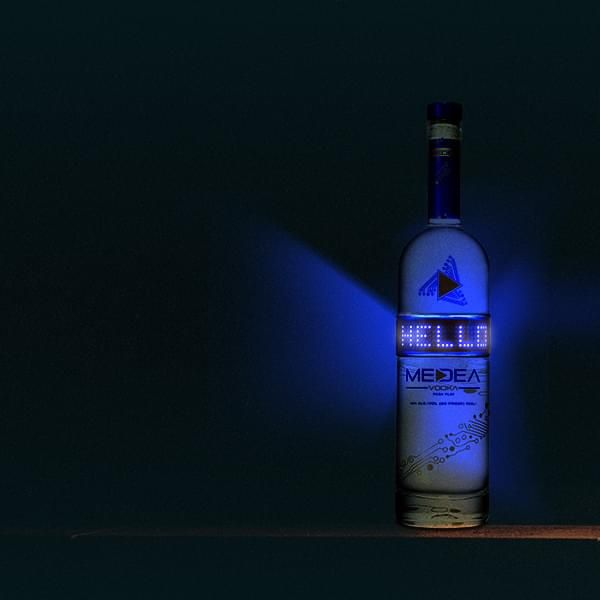 Vodka in programmierbarer LED-Flasche